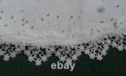 Christmas tree skirt Hand made velvet & lace decoration Xmas or wedding gift